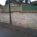 Mur de clôture après nettoyage