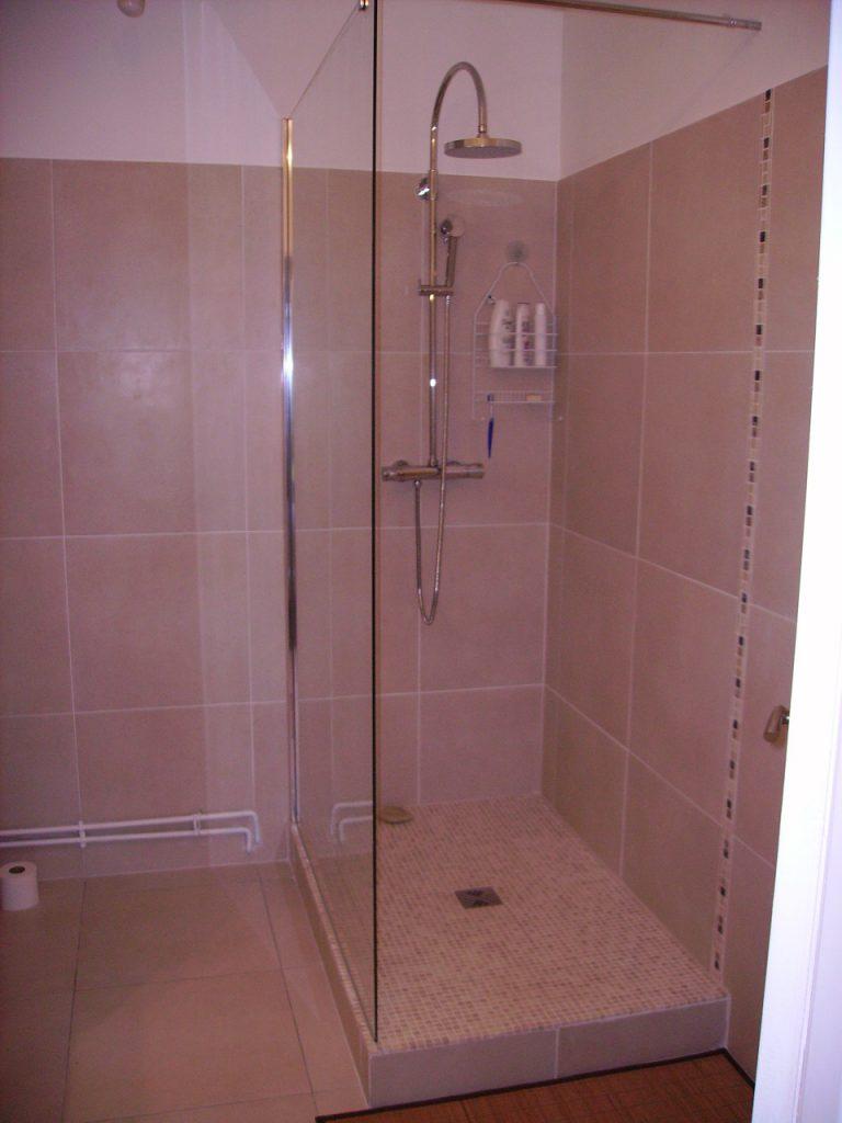 travaux et r novation d 39 une salle de bain longjumeau en. Black Bedroom Furniture Sets. Home Design Ideas
