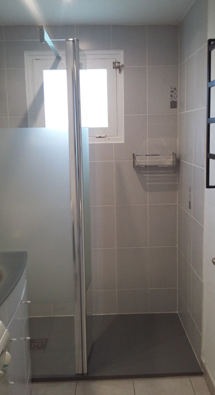 pose d 39 une douche l 39 italienne artech habitat. Black Bedroom Furniture Sets. Home Design Ideas