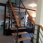 Escalier à limon Acier et Hetre