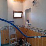 Début des travaux de division d'une salle de bains
